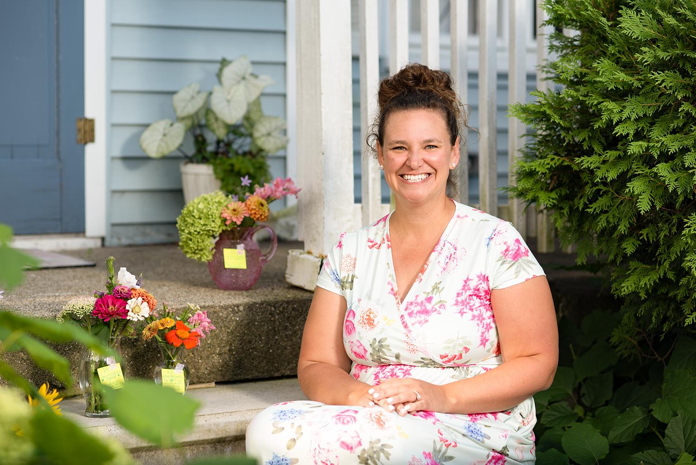 Lansing-Area Teacher Creates 'Border Blooms'